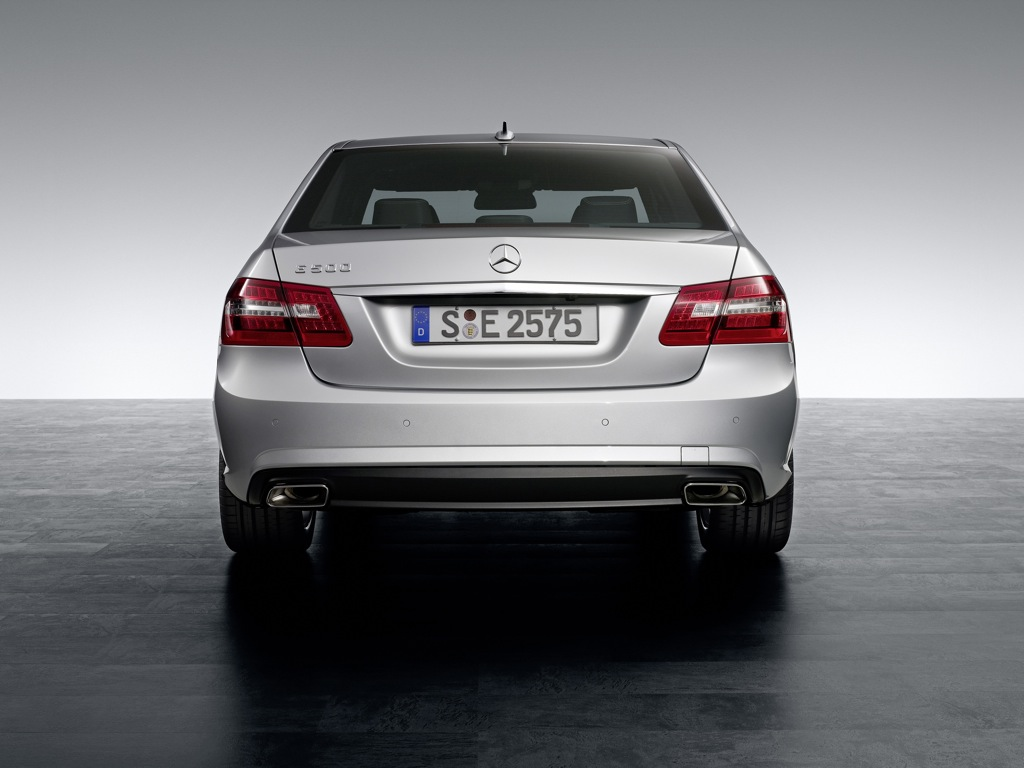 2010 mercedes benz e klasse amg package unveiled for Mercedes benz packages