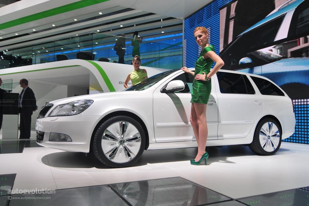 2010 paris auto show skoda octavia green e line concept for Garage skoda paris 12