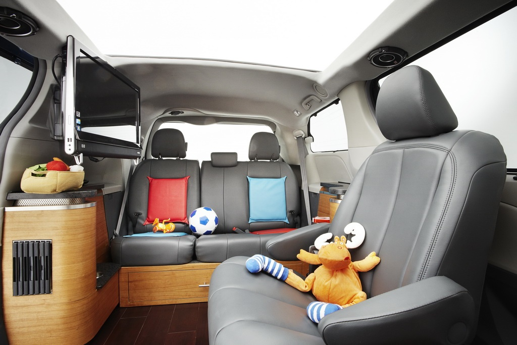 2010 Sema Toyota Sienna Swagger Wagon Supreme Autoevolution