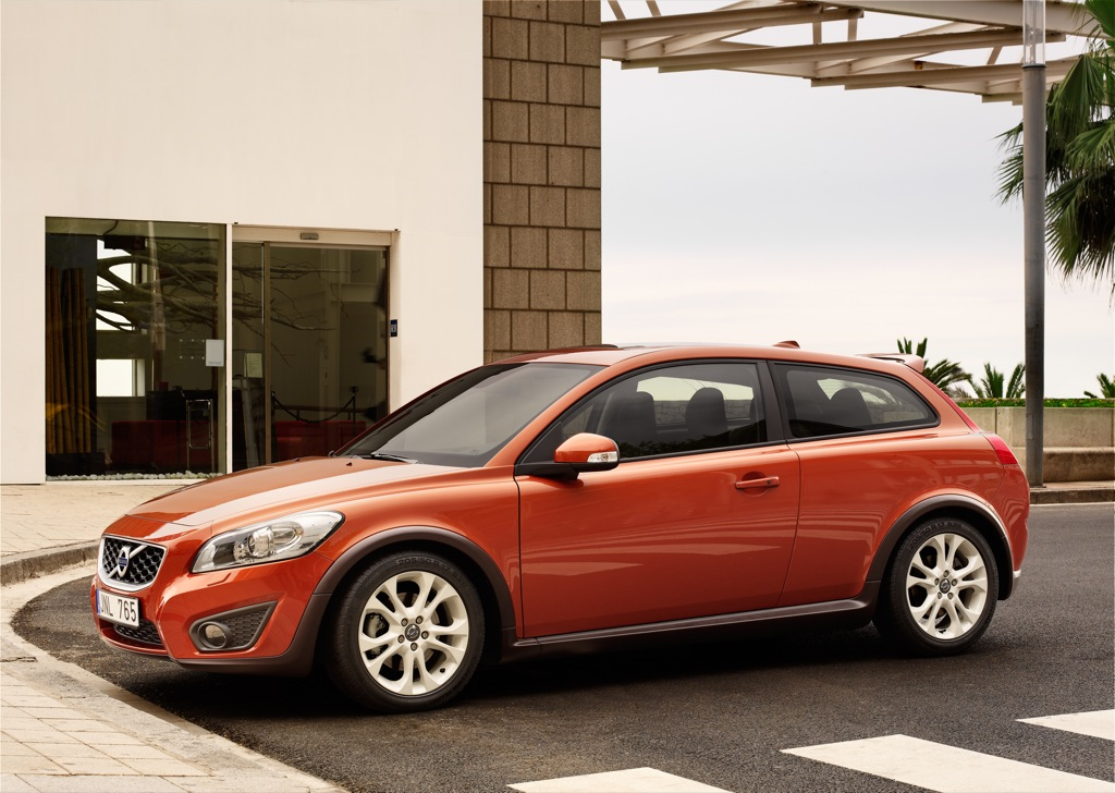 2010 volvo c30 official details and photos autoevolution. Black Bedroom Furniture Sets. Home Design Ideas