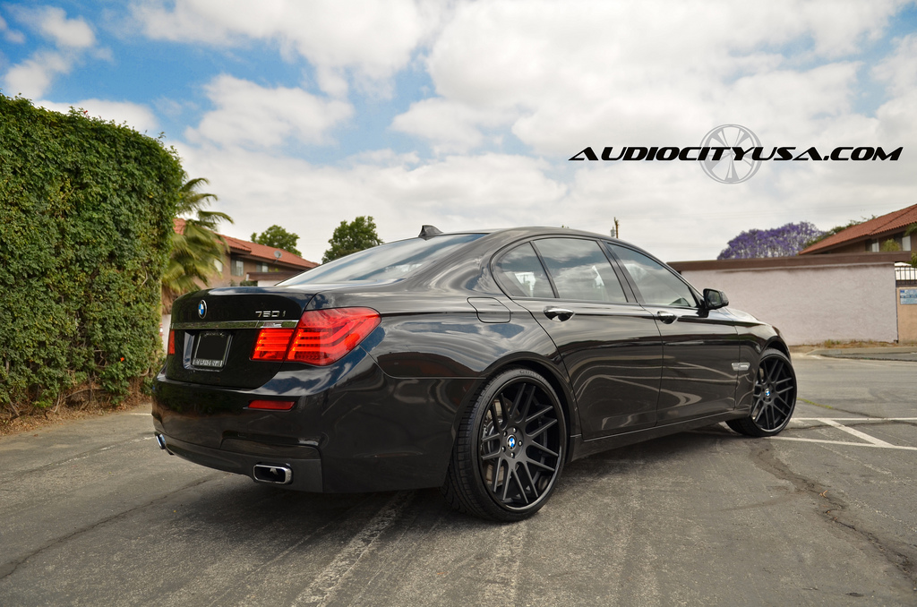 2011 bmw f01 7 series on gianelle wheels rides low autoevolution. Black Bedroom Furniture Sets. Home Design Ideas
