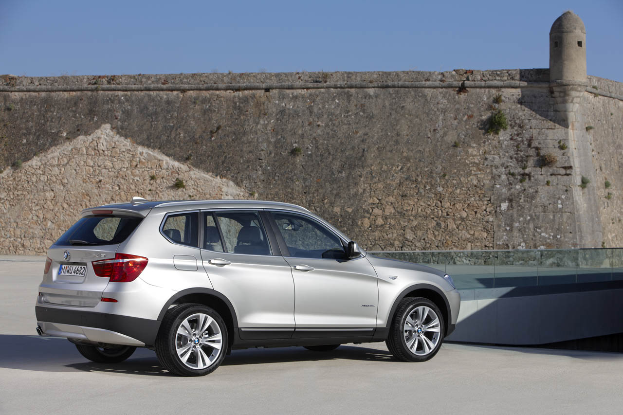 bmw recalls 2011 x3 due to power steering issues. Black Bedroom Furniture Sets. Home Design Ideas