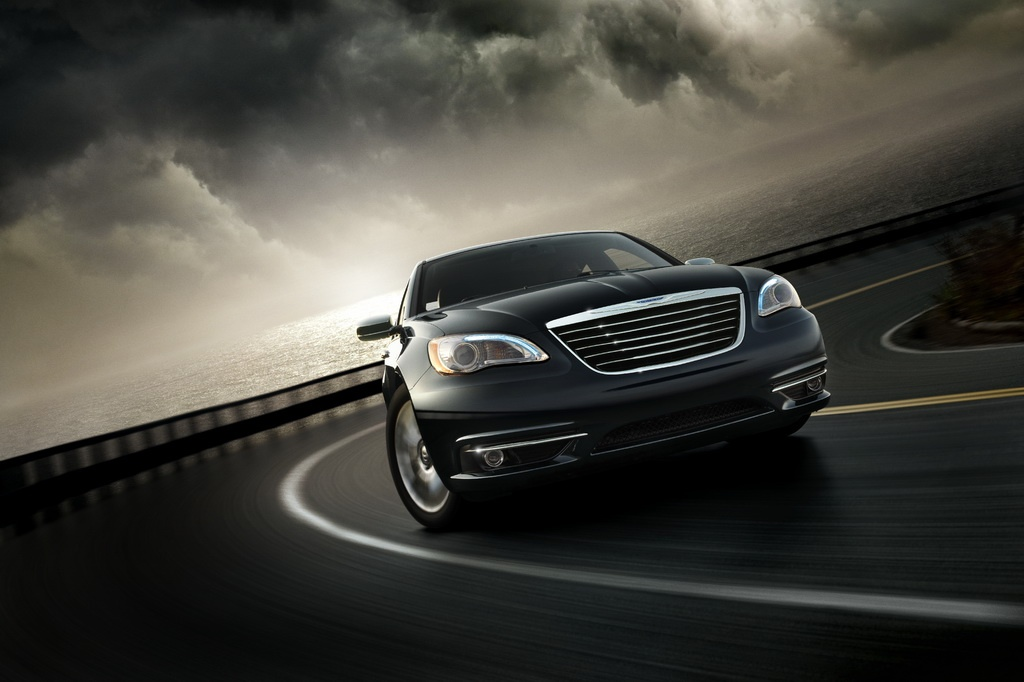 2011 Chrysler 200 Achieves 20 31 Mpg City Highway