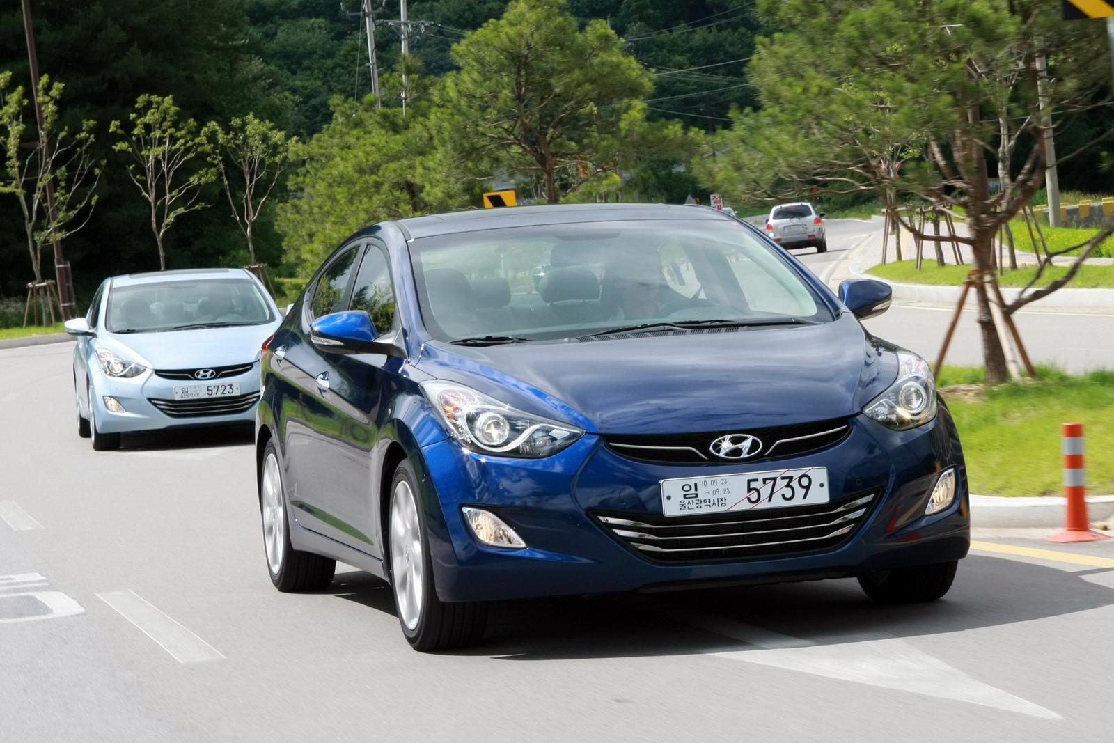 2011 Hyundai Elantra Real Life Photos Autoevolution