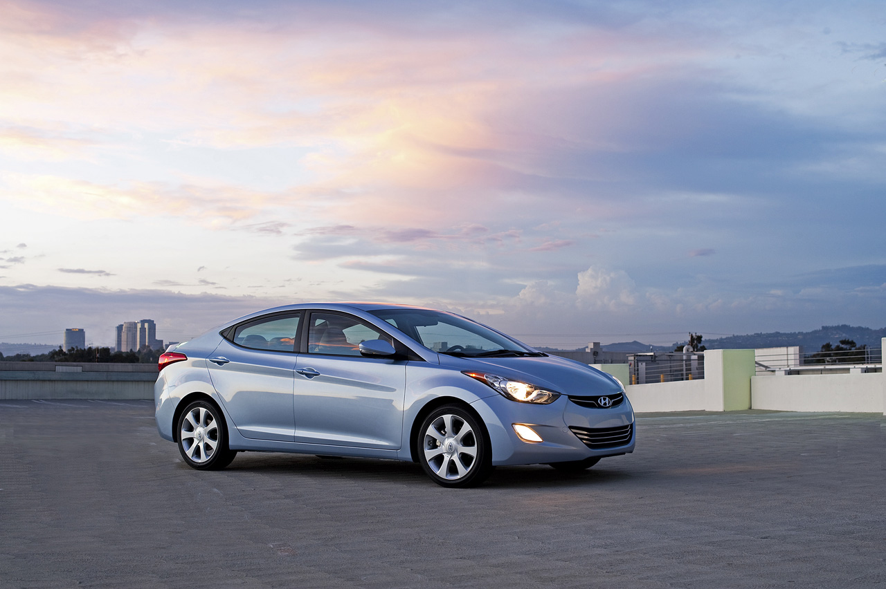 2011 hyundai elantra revealed autoevolution. Black Bedroom Furniture Sets. Home Design Ideas