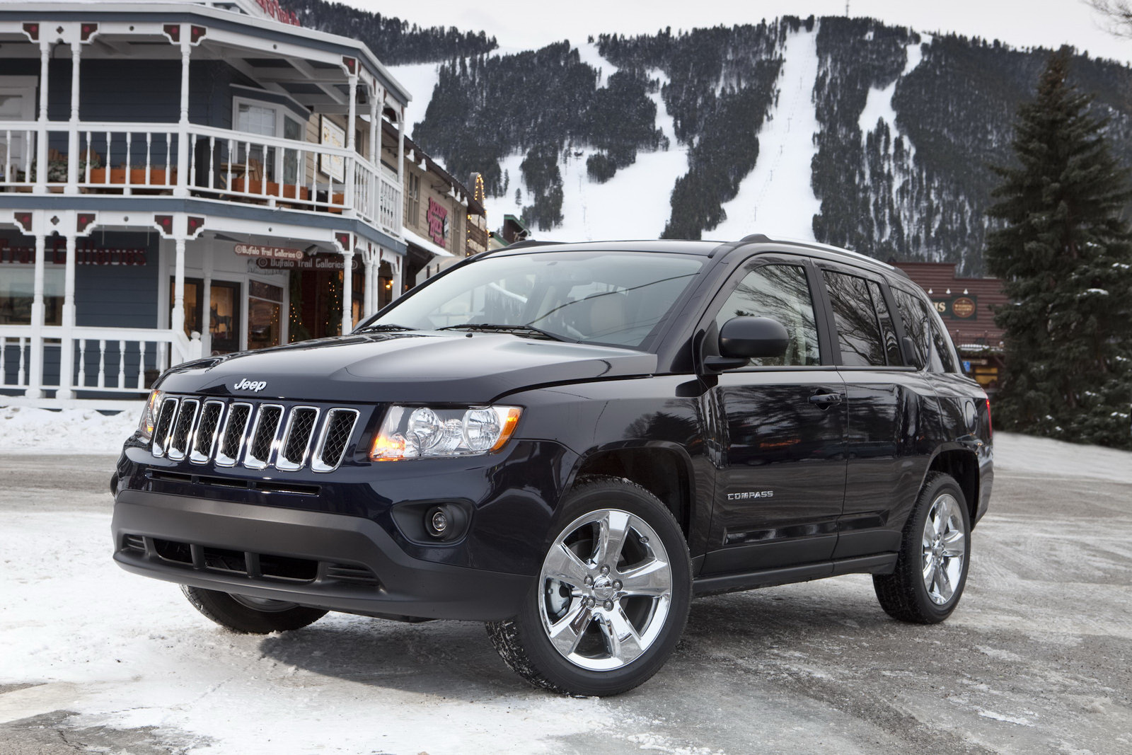 2011 jeep compass starts at 19 295 autoevolution. Black Bedroom Furniture Sets. Home Design Ideas