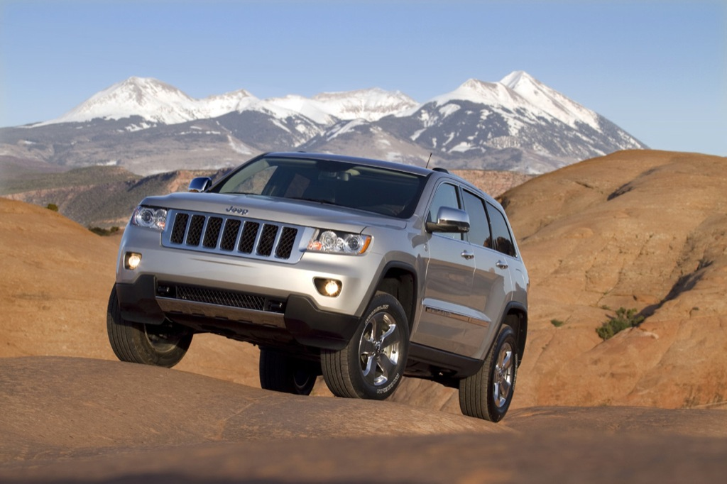 chrysler released pricing for the 2011 jeep grand cherokee. Black Bedroom Furniture Sets. Home Design Ideas