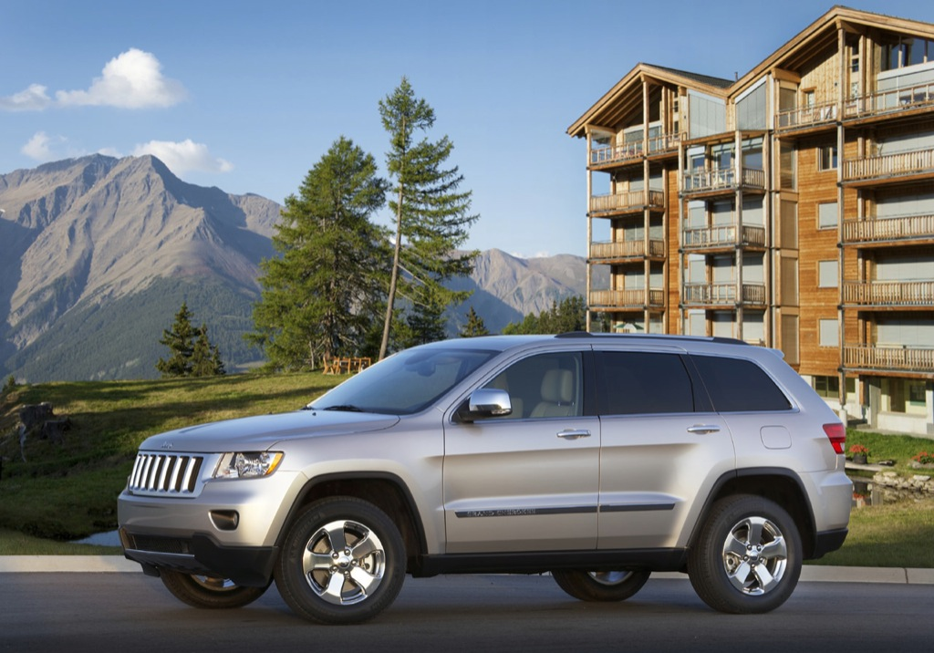 chrysler released pricing for the 2011 jeep grand cherokee. Cars Review. Best American Auto & Cars Review