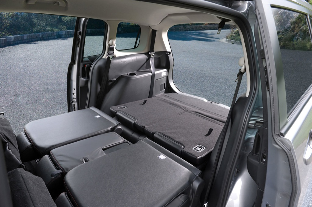 2011 mazda5 compact van gets new diesel unit autoevolution. Black Bedroom Furniture Sets. Home Design Ideas