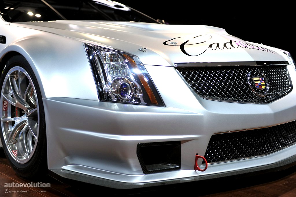 2011 naias cadillac cts v coupe race car live photos. Black Bedroom Furniture Sets. Home Design Ideas