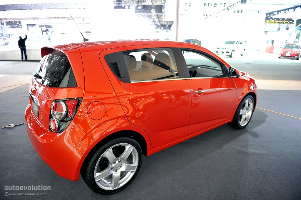 2011 Naias Chevrolet Sonic Hatchback Live Photos