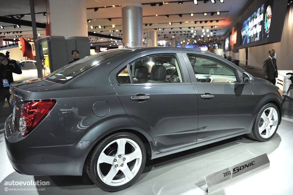 Race Car Junk >> 2011 NAIAS: Chevrolet Sonic Sedan [Live Photos] - autoevolution
