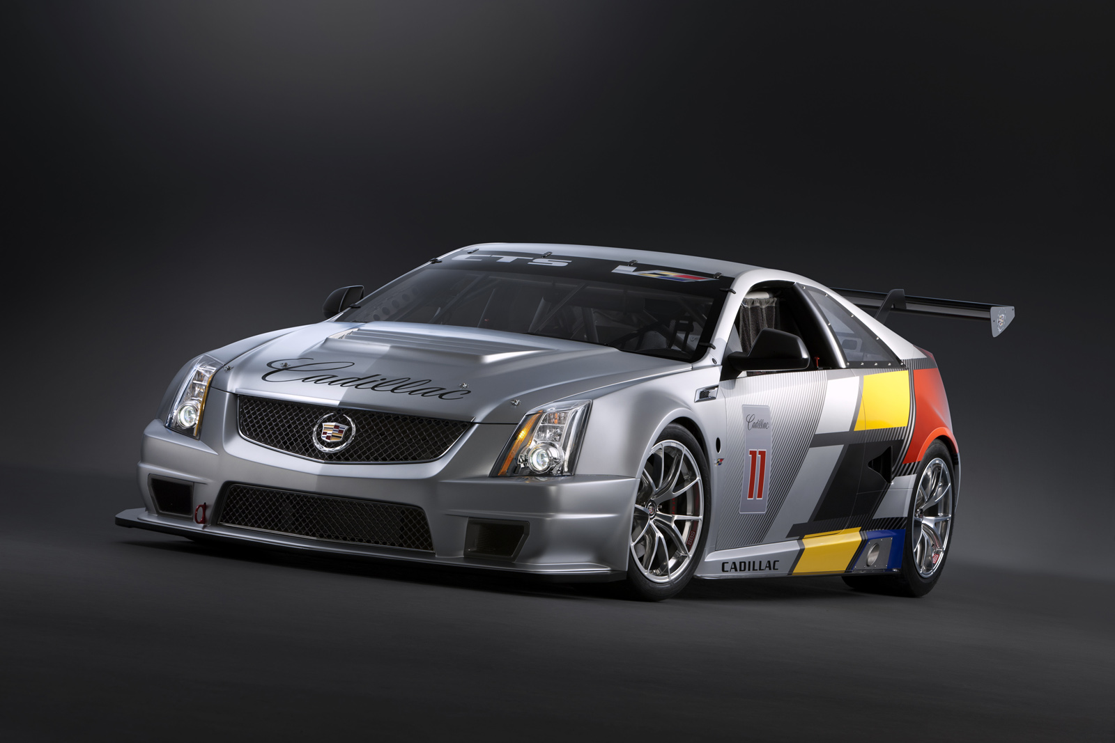 2011 cts v coupe racecar first official images released. Black Bedroom Furniture Sets. Home Design Ideas