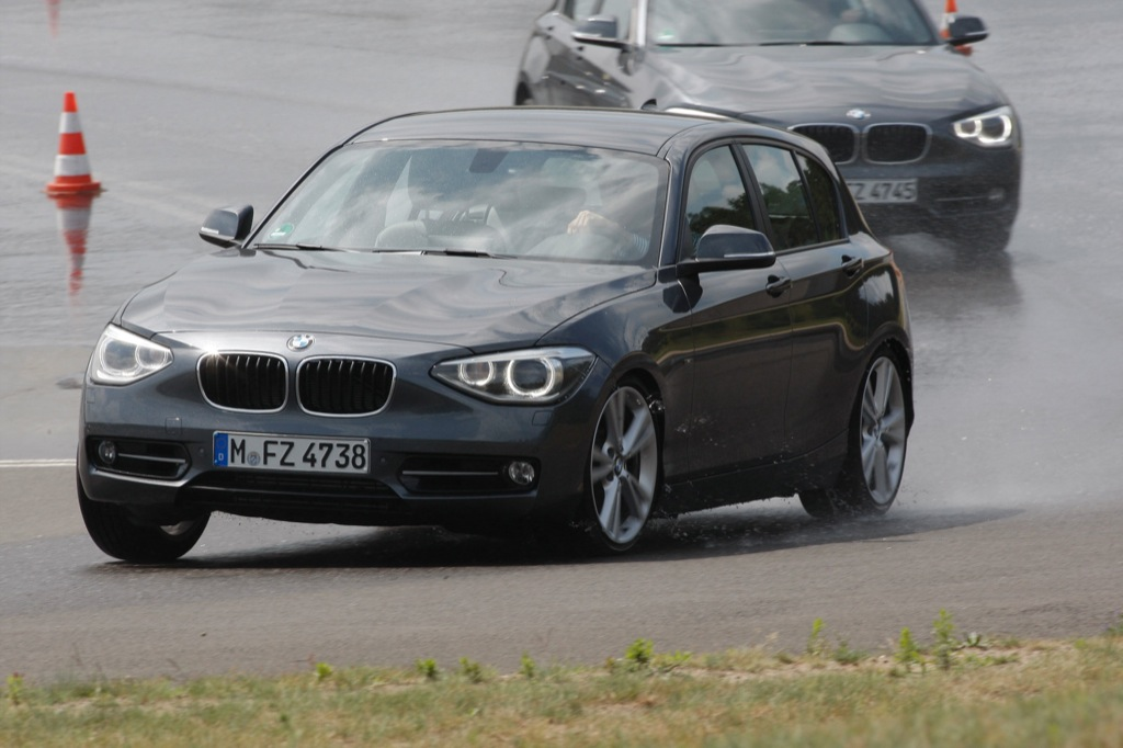 2012 bmw 1 series sport line detailed gallery autoevolution. Black Bedroom Furniture Sets. Home Design Ideas