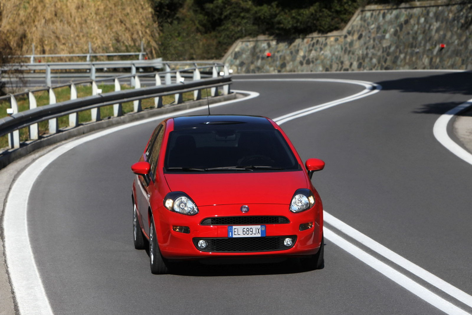 2012 fiat punto launched in europe video photo gallery autoevolution. Black Bedroom Furniture Sets. Home Design Ideas