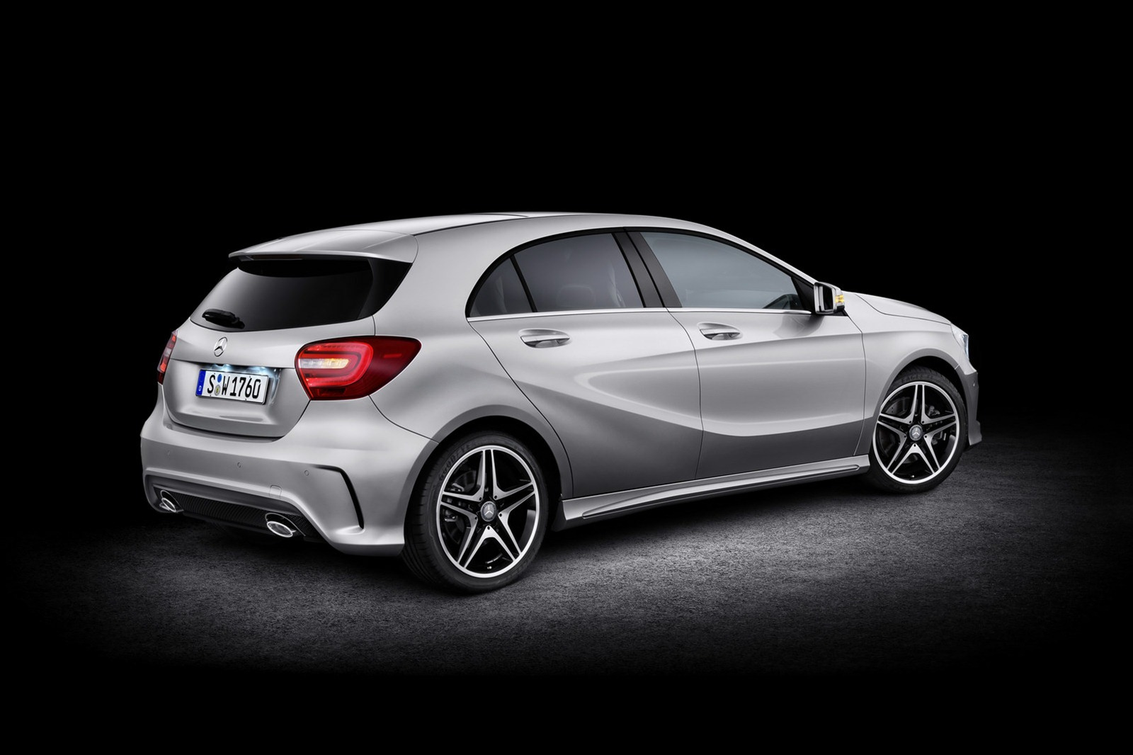 2012 mercedes benz a class new photos released autoevolution. Black Bedroom Furniture Sets. Home Design Ideas