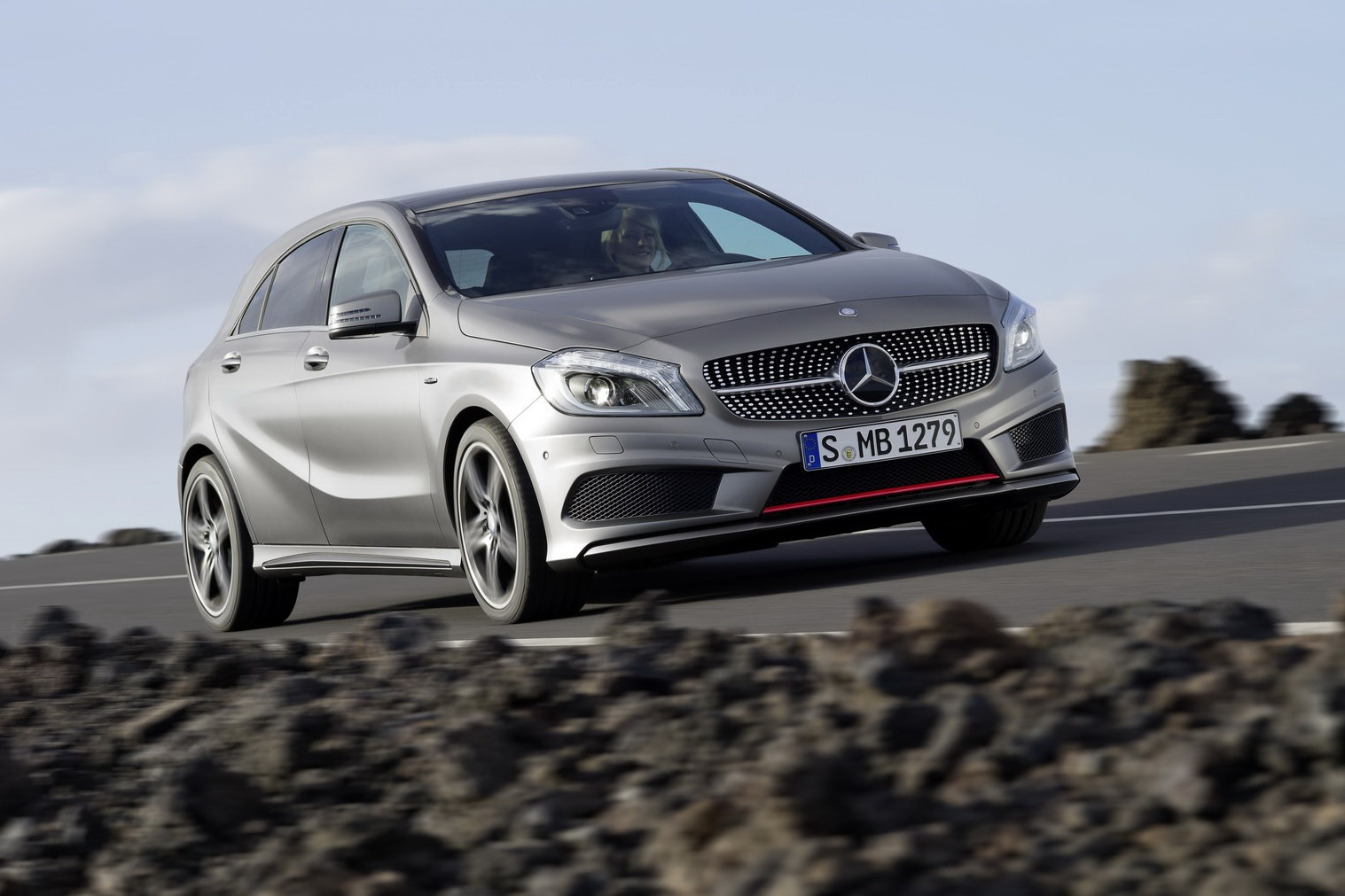 2012 mercedes benz a class officially revealed autoevolution. Black Bedroom Furniture Sets. Home Design Ideas