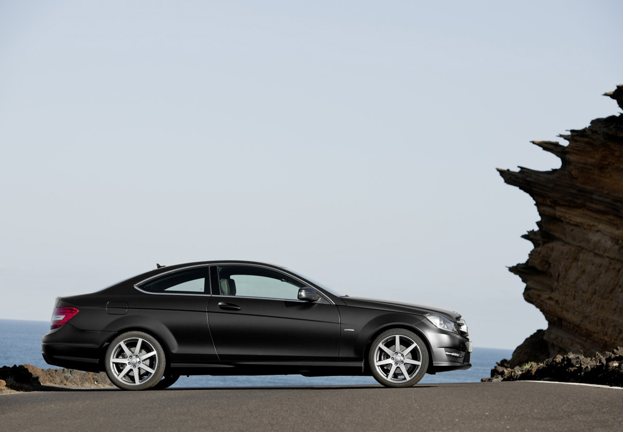 2012 mercedes c klasse coupe revealed autoevolution. Black Bedroom Furniture Sets. Home Design Ideas