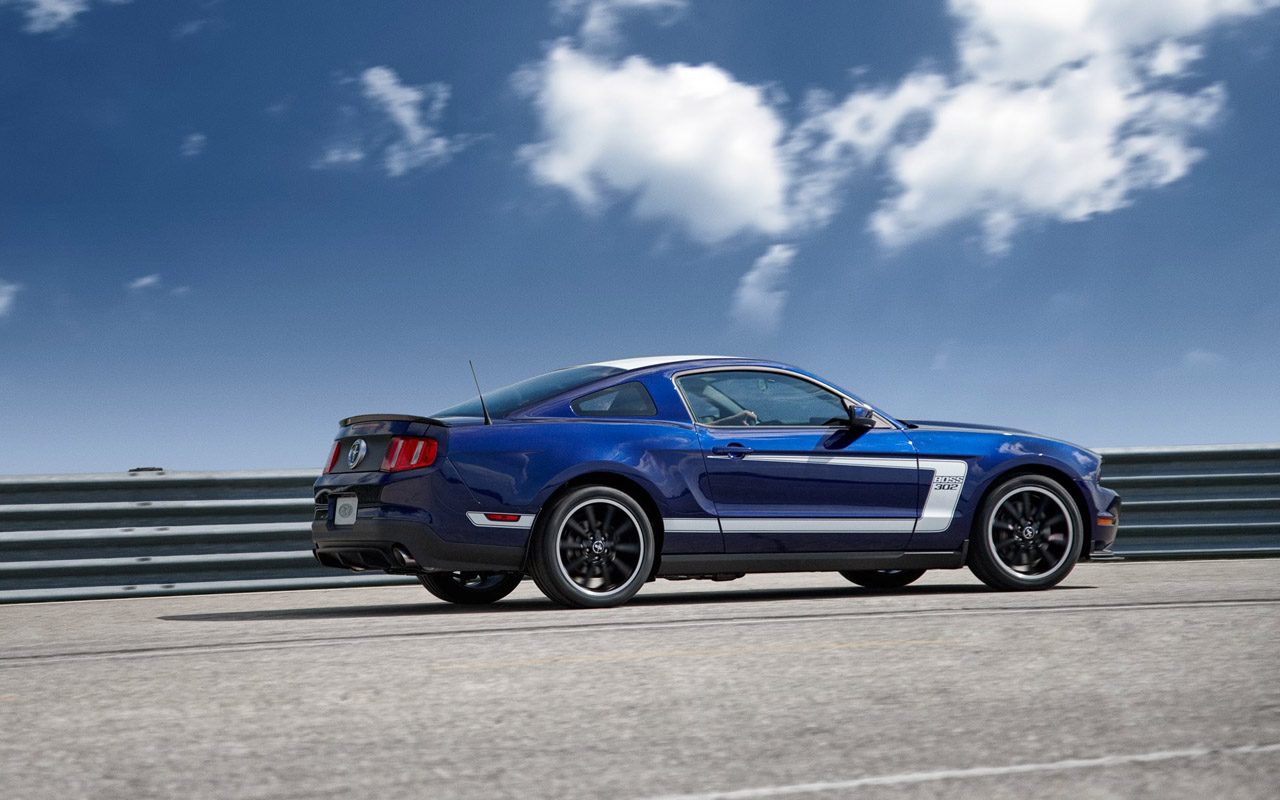 2012 mustang boss 302 offered with racing trackey autoevolution. Black Bedroom Furniture Sets. Home Design Ideas