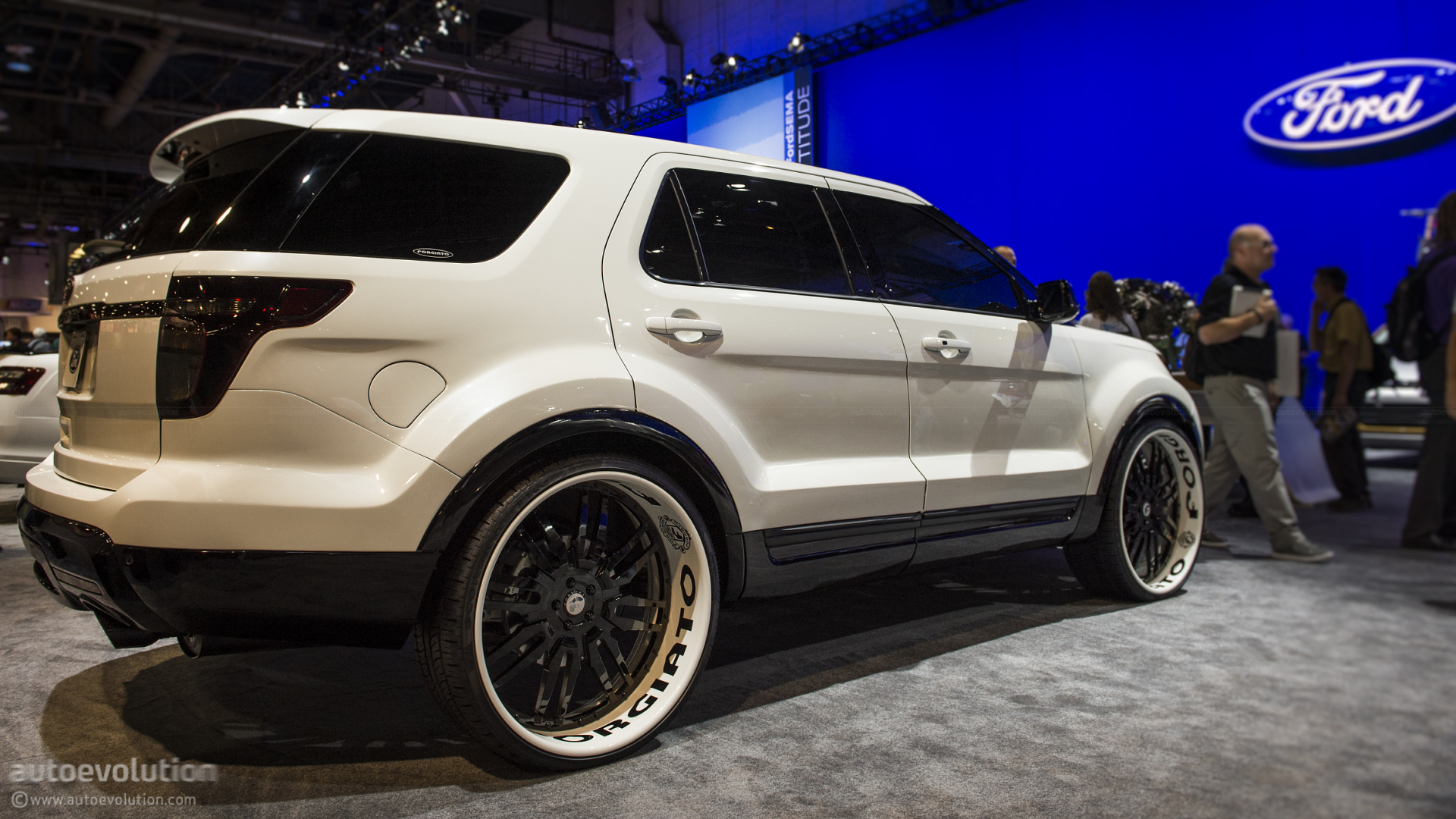 2013 Ford Explorer Sport by Forgiato