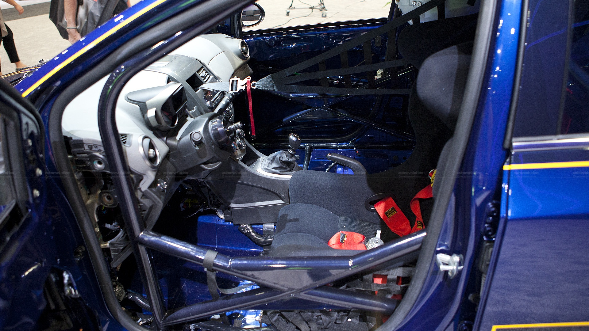 Race Car Junk >> 2012 SEMA: Chevy Sonic B-Spec Race Car [Live Photos] - autoevolution