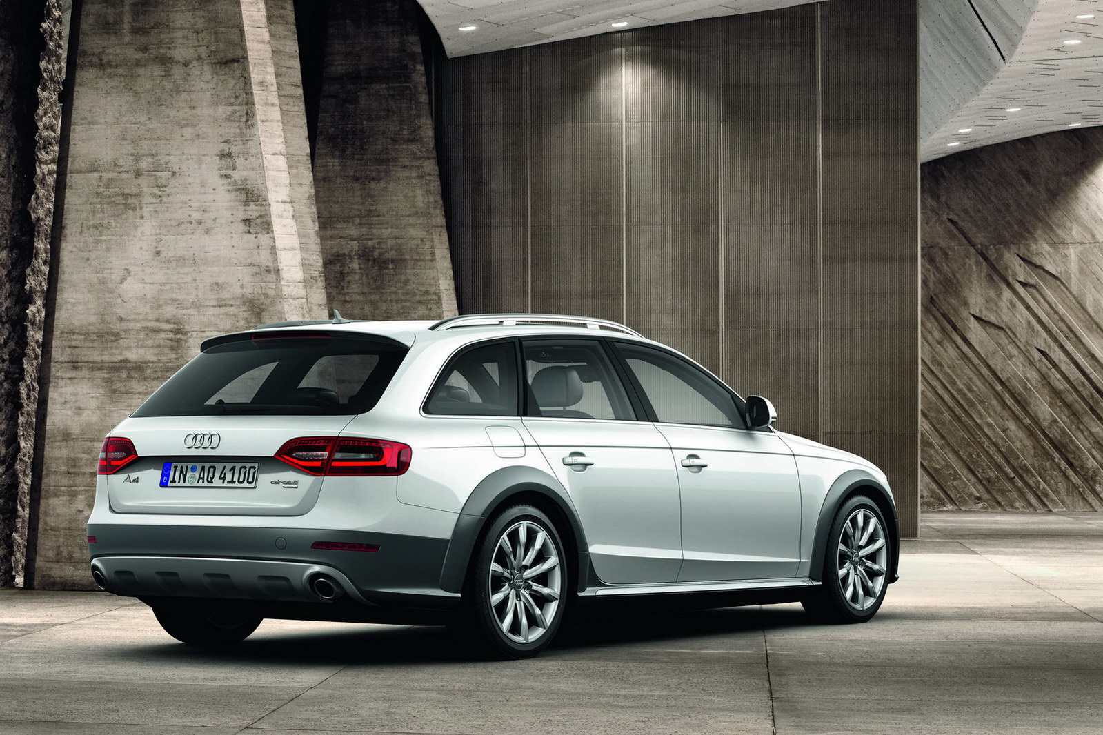 2013 audi a4 facelift revealed autoevolution. Black Bedroom Furniture Sets. Home Design Ideas