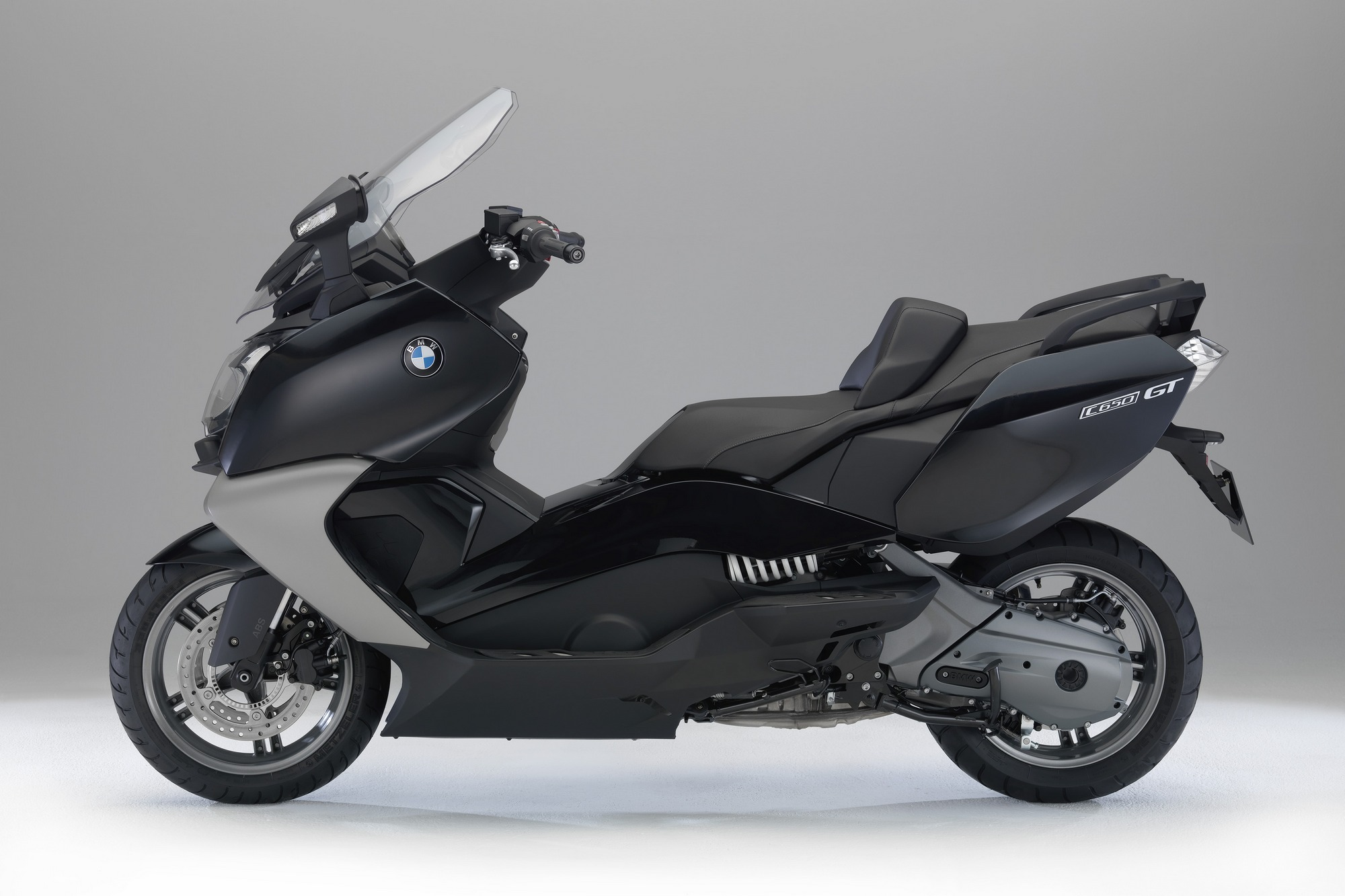2013 bmw c650gt the premium maxi scooter autoevolution. Black Bedroom Furniture Sets. Home Design Ideas