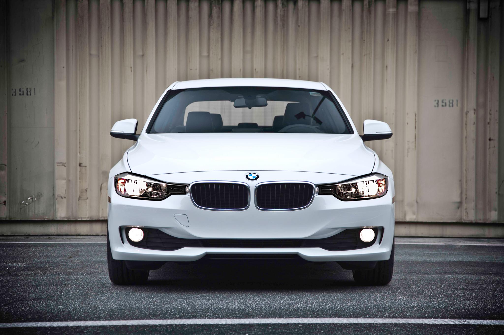 2013 BMW F30 320i Test Drive By MotorTrend Autoevolution