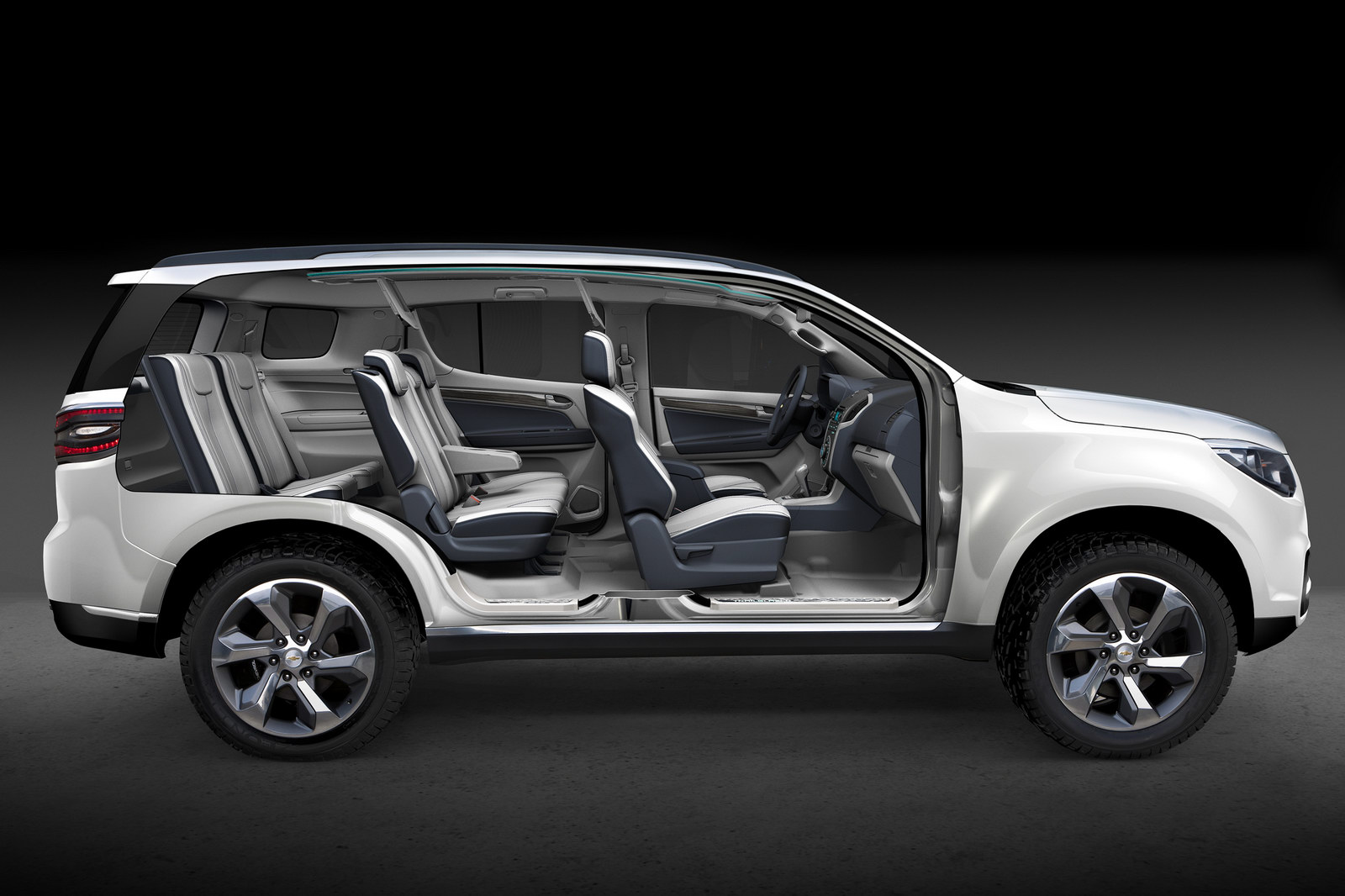 2013 Chevrolet Trailblazer Gets Real With New Photos and ...