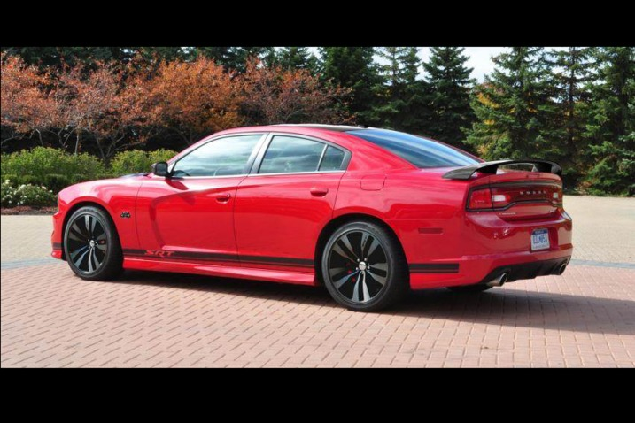 2013 Dodge Charger SRT8 Gets Old School with 392 Appearance