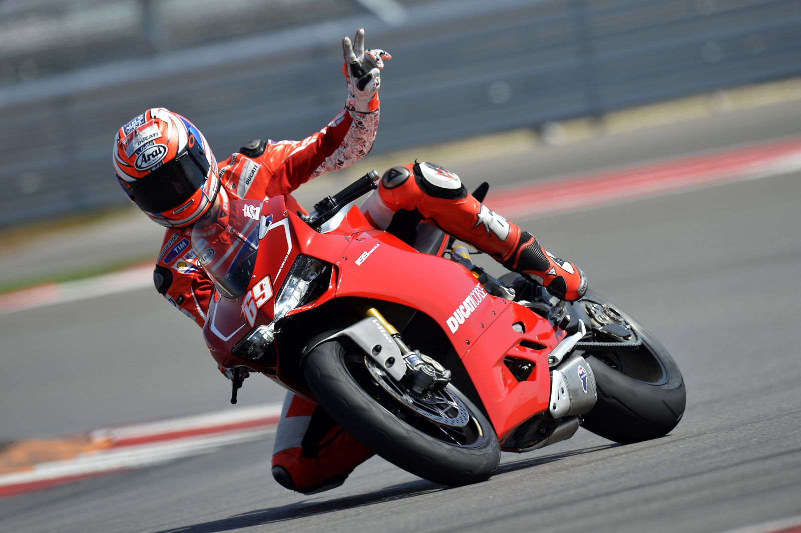 2013 Ducati 1199 Panigale R Official Pictures - autoevolution