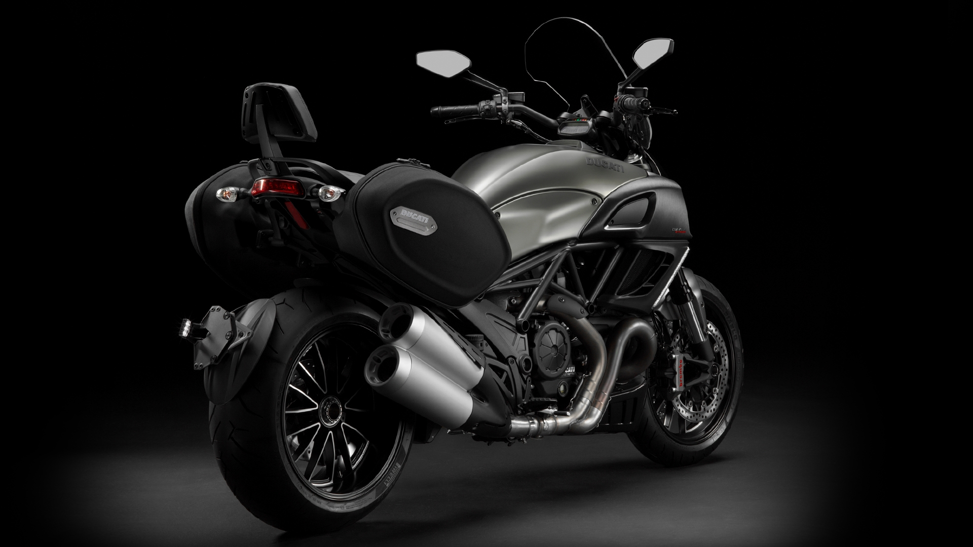 2013 ducati diavel strada the touring diavel autoevolution. Black Bedroom Furniture Sets. Home Design Ideas