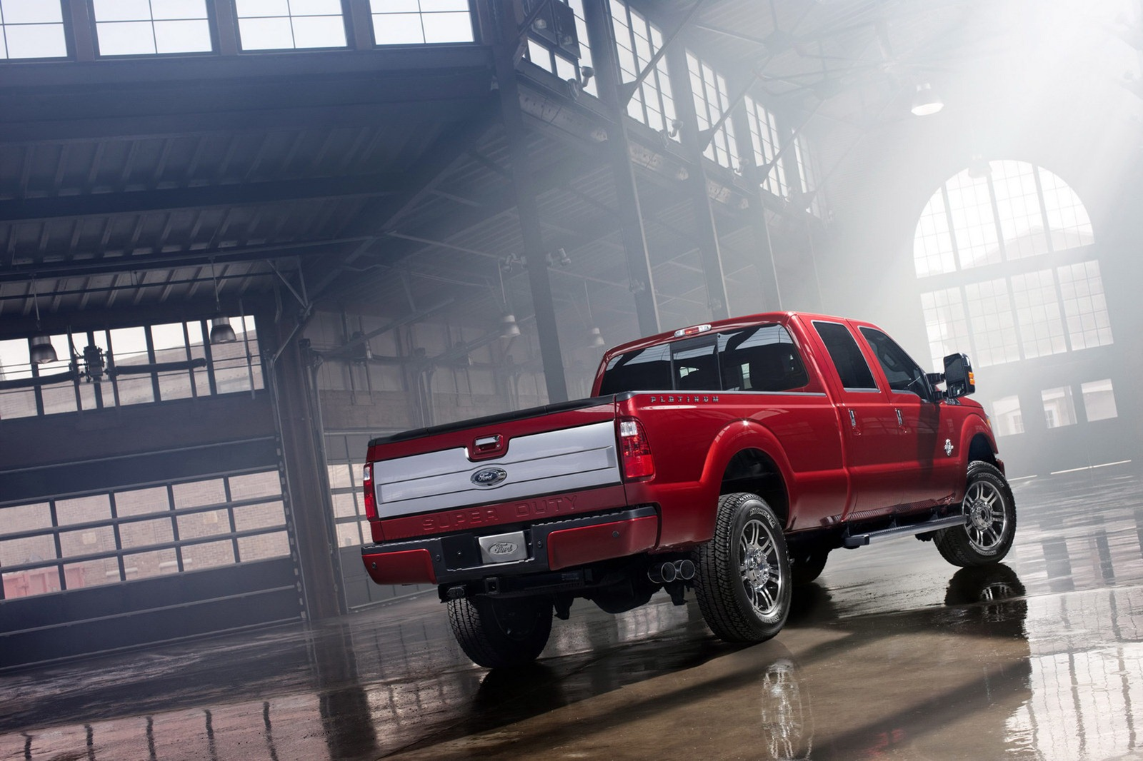 2013 Ford F Series Super Duty Launched With Platinum Model