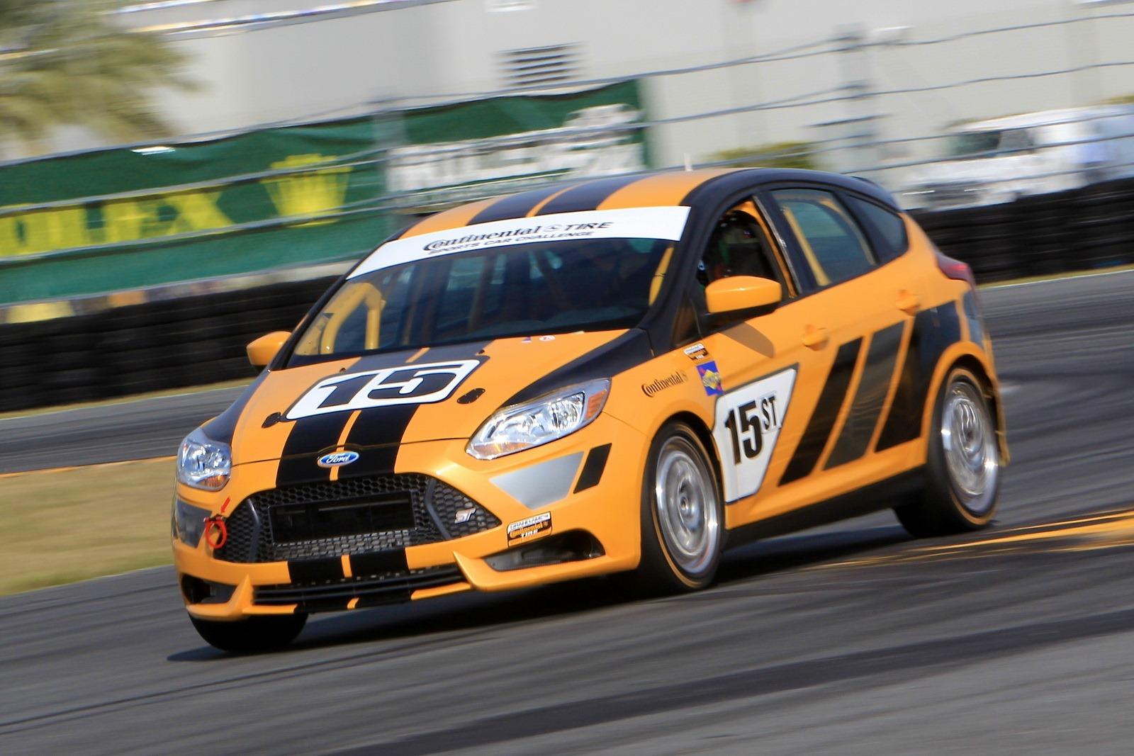 2013 Ford Focus St R Racing Debut At Daytona Grand Am 200