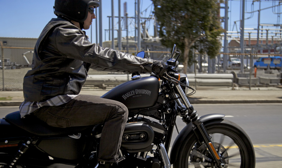 2013 Road Glide >> 2013 Harley-Davidson Iron 883 Is Black and Mean - autoevolution