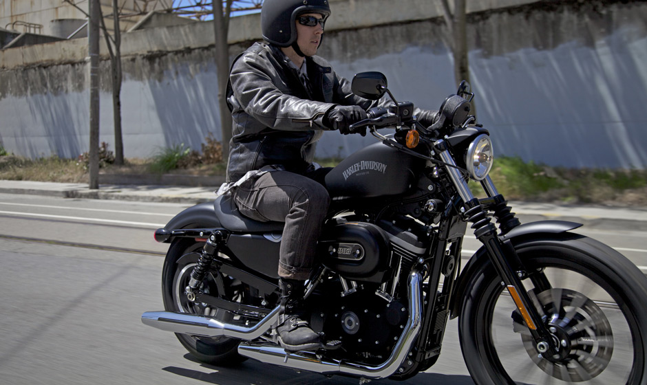 2013 Harley-Davidson Iron 883 Is Black and Mean - autoevolution