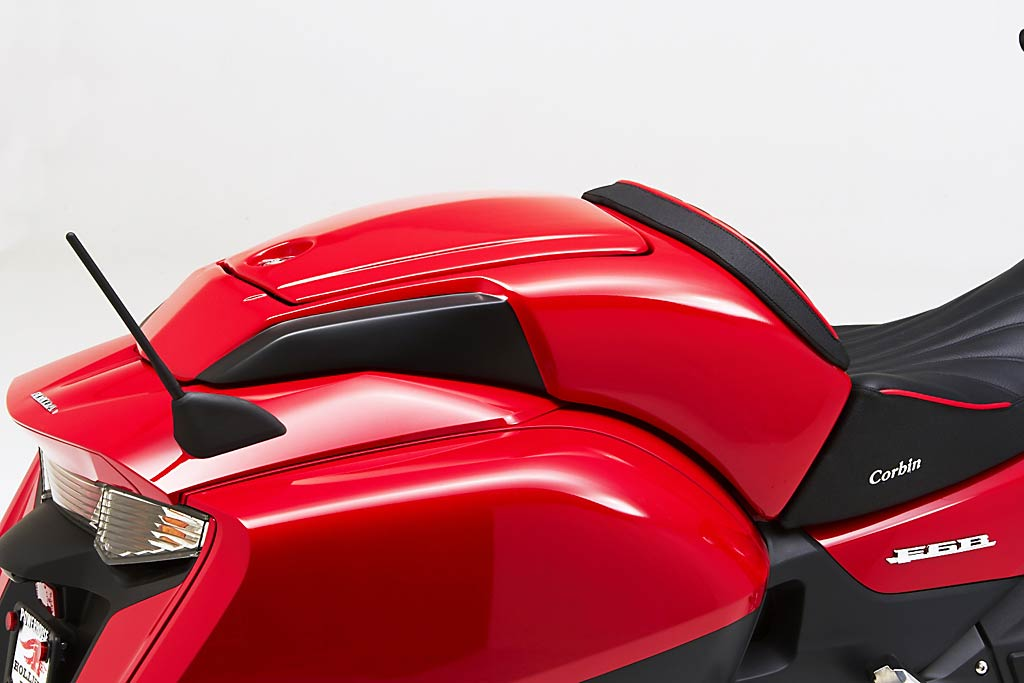 2013 Honda F6b Receives Modular And Smuggler Seats From