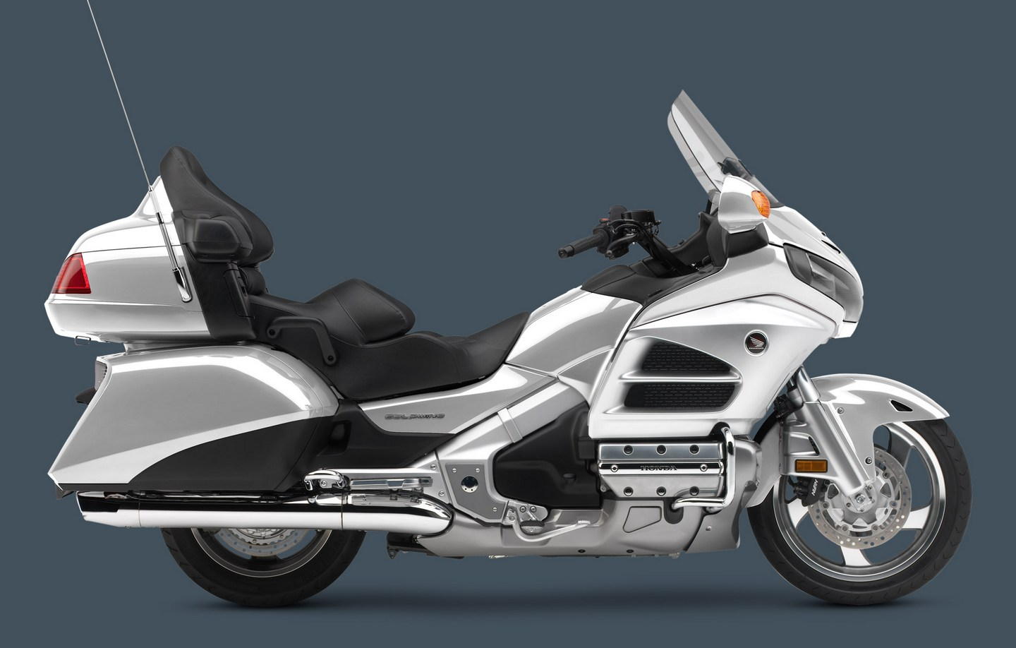 2013 honda goldwing colors and pricing autoevolution. Black Bedroom Furniture Sets. Home Design Ideas