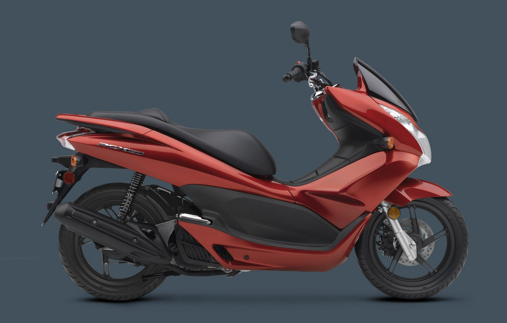 2013 honda pcx150 scooter does 102 mpg 2 3 l 100 km autoevolution. Black Bedroom Furniture Sets. Home Design Ideas