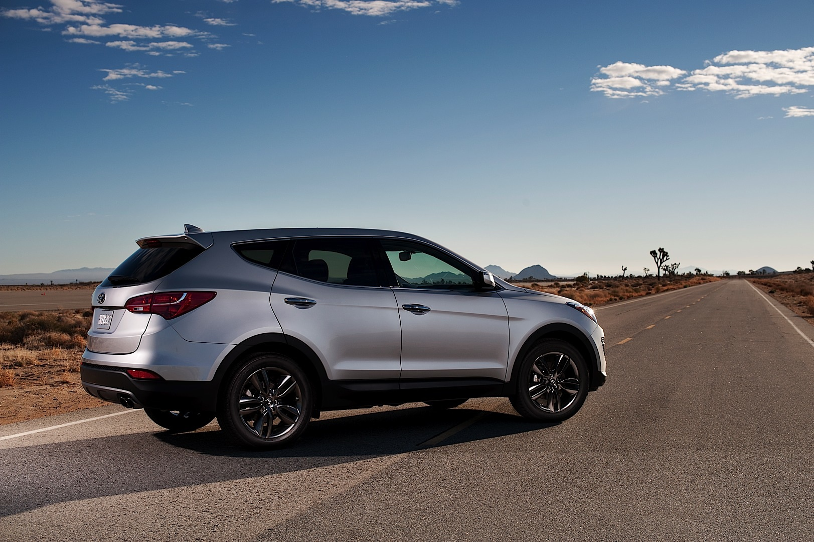 2013 Hyundai Santa Fe Sport Ix45 Revealed Autoevolution