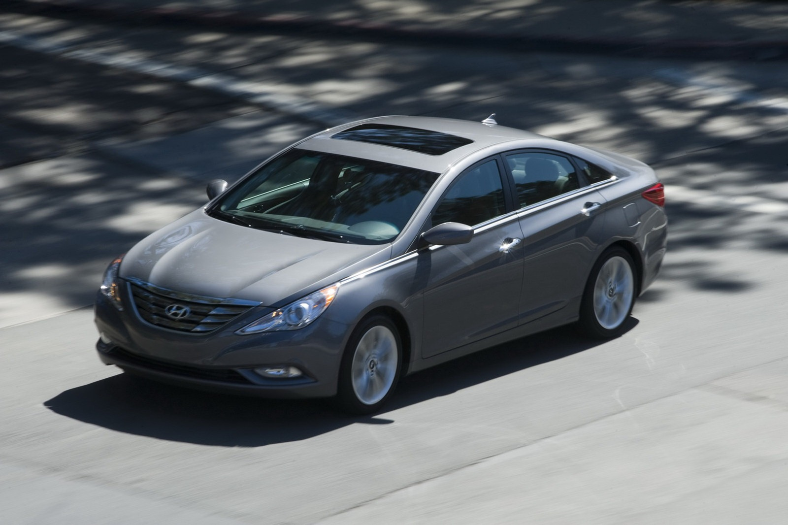 2013 hyundai sonata revealed with updated features. Black Bedroom Furniture Sets. Home Design Ideas