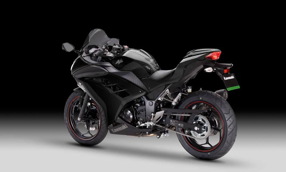 2013 kawasaki ninja 300 finally recalled for stalling issues autoevolution. Black Bedroom Furniture Sets. Home Design Ideas