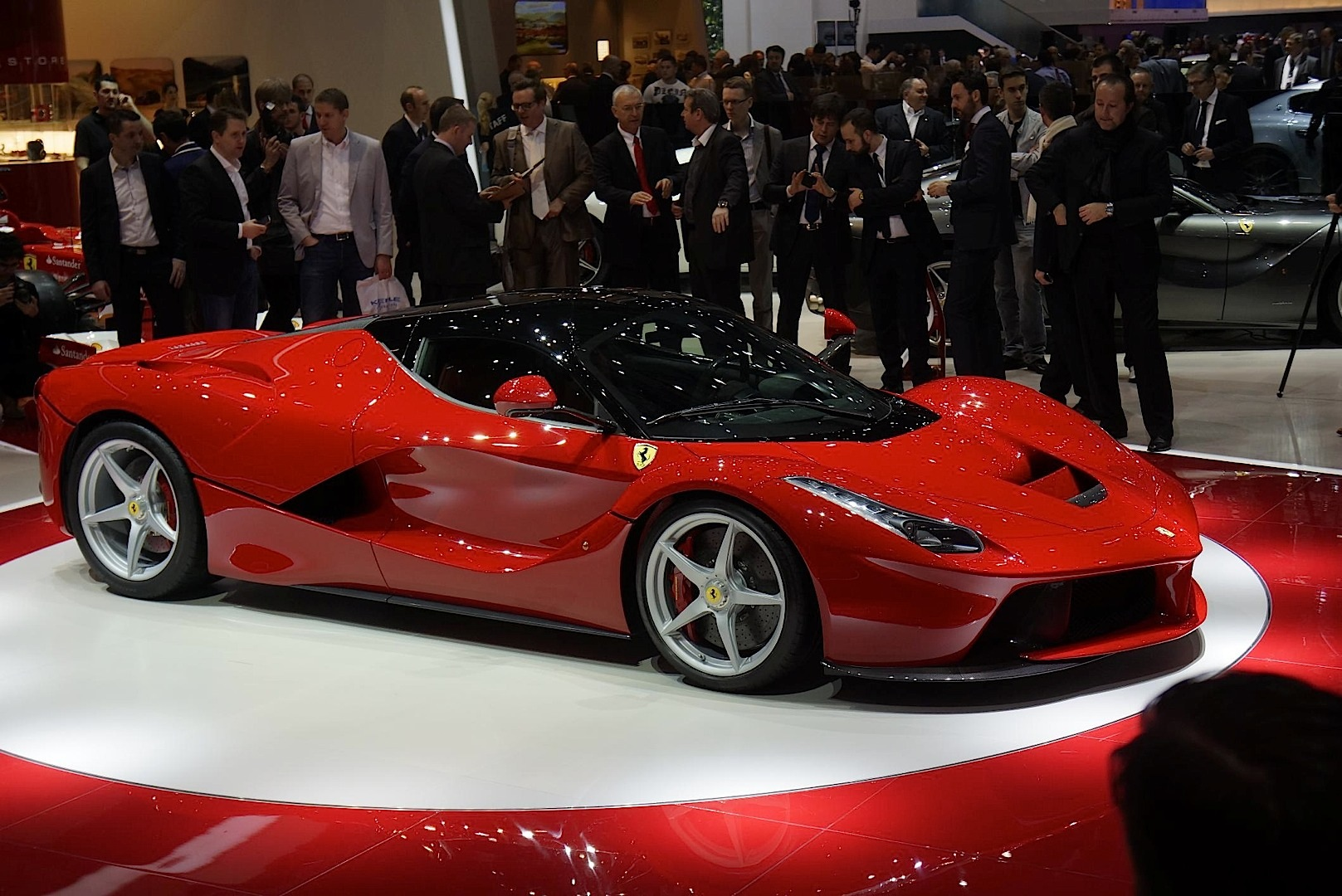 2013 Laferrari Ferrari Enzo Successor Revealed In Geneva