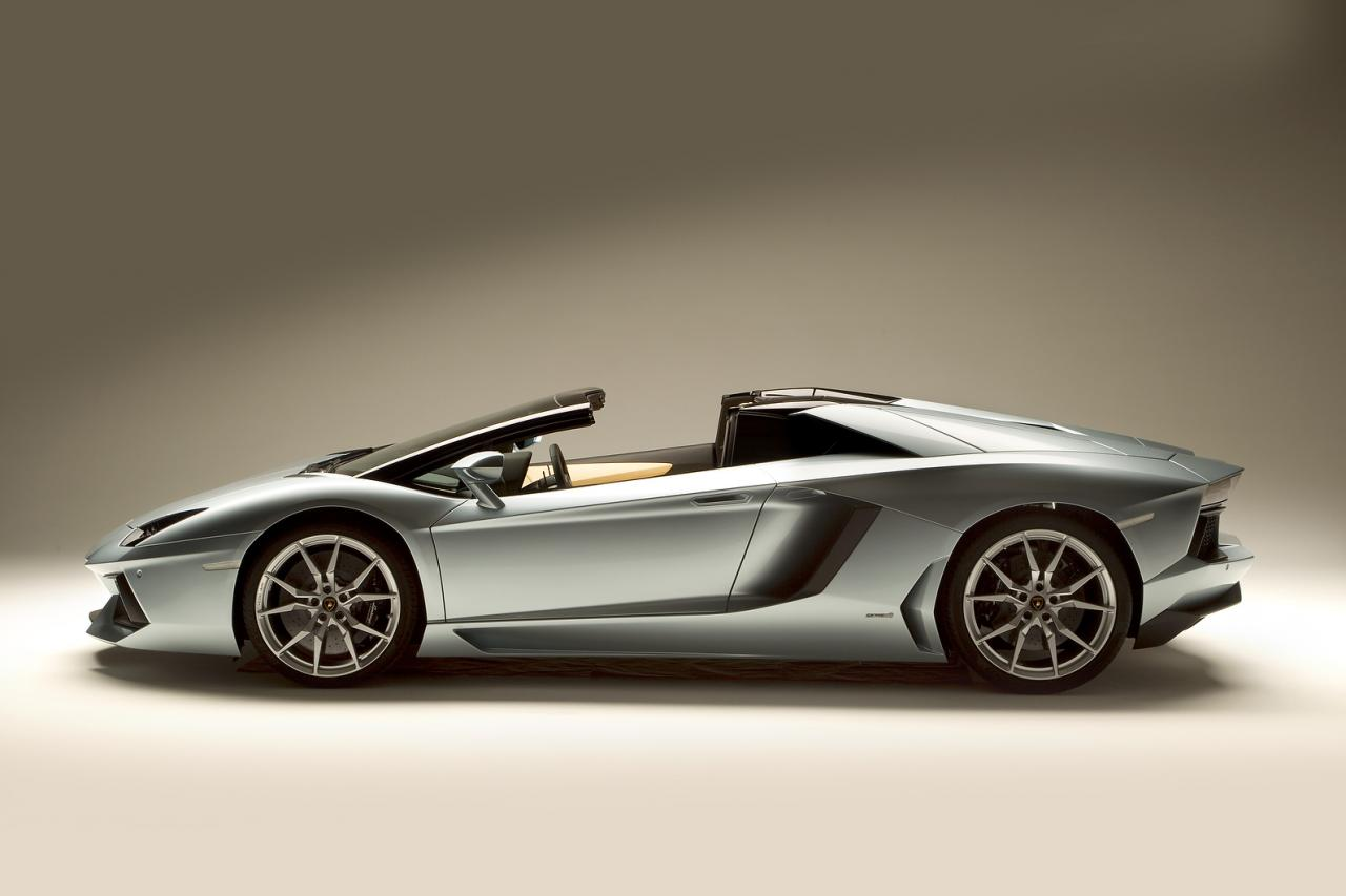 2013 Lamborghini Aventador Lp700 4 Roadster Revealed