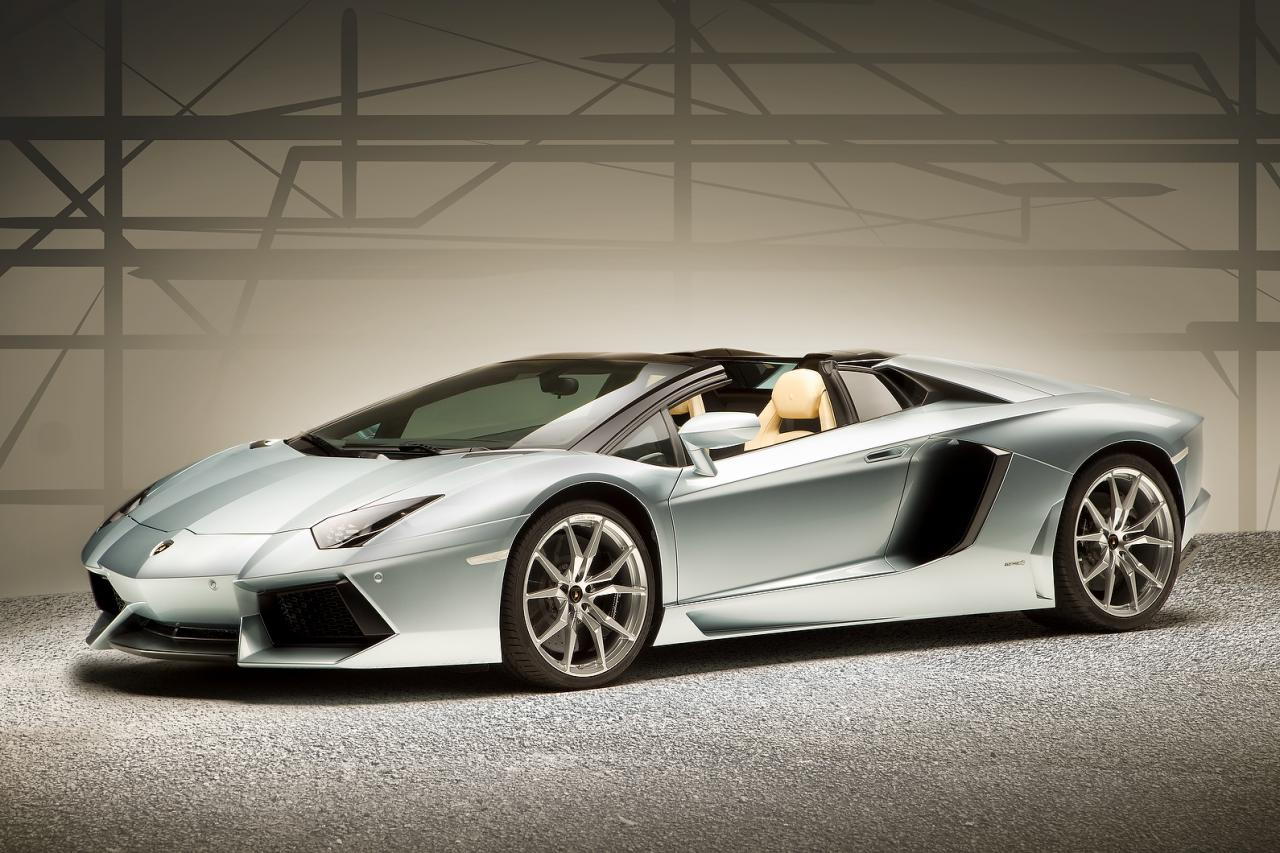 2013 lamborghini aventador lp700 4 roadster revealed. Black Bedroom Furniture Sets. Home Design Ideas
