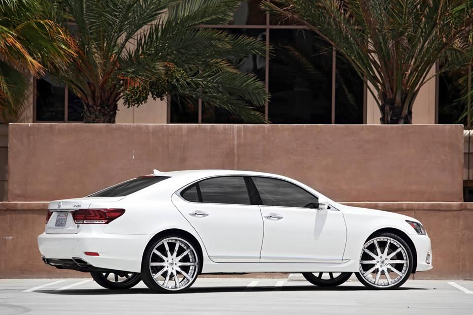 https://s1.cdn.autoevolution.com/images/news/gallery/2013-lexus-ls-on-24-inch-lexani-wheels-video_2.jpg