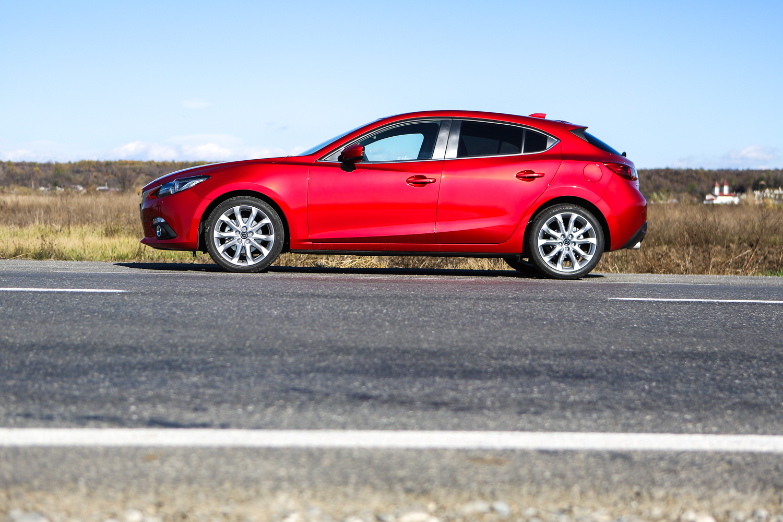 2013 mazda3 hatchback first drive autoevolution. Black Bedroom Furniture Sets. Home Design Ideas