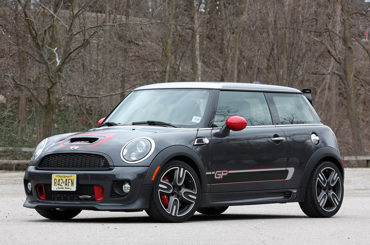 2013 mini john cooper works gp review by autoblog autoevolution. Black Bedroom Furniture Sets. Home Design Ideas