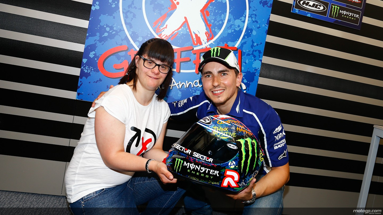 "2013 MotoGP: Lorenzo Shows ""Graffiti"" Helmet Design for Catalunya - autoevolution"