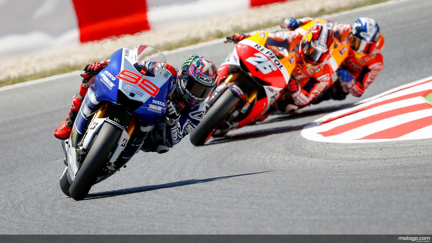 2013 motogp lorenzo wins home race crash fest in barcelona lorenzo followed closely by pedrosa and marquez the 2013 barcelona podium voltagebd Images